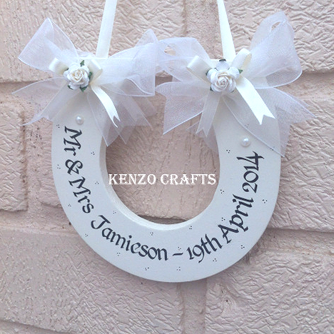 Personalised Mr & Mrs Wedding Horseshoe Keepsake Gift